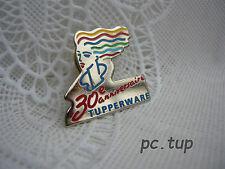 Pin's Badge Tupperware (not keychain - Pas porte-clés) 30e anniversaire argent