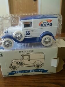 "Speccast Ford Model ""A"" Delivery Van Bank ""New Holland"".1/25th SCALE. NIB"