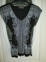 Almost Famous Top ~ Blouse Women's Small Cap Sleeve V-Neck Black & White Paisley