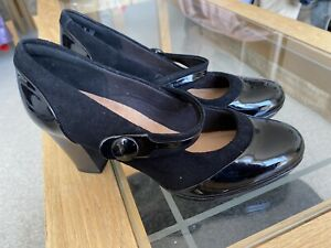 CLARKS CUSHION SOFT MARY JANE STYLE LADIES SHOES IN BLACK UK SIZE 5 D
