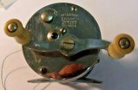 Vintage PFLUEGER TRUMP No 1943 Bait Casting Reel
