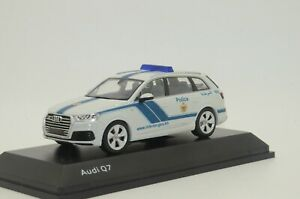 RARE ! NEW Audi Q7 Bahrain Police Custom Made 1/43