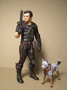 MAD  MAX  1/18  FIGURE  DOG  PAINTED  BY  VROOM  FOR  GREENLIGHT  AUTOART 1/18