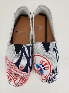 New York Yankees MLB Pattern Slip On Canvas Shoes Sneakers Women Size M NWOT