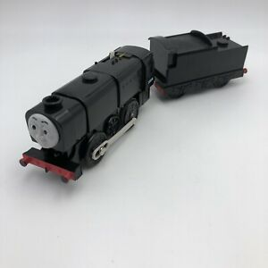 """#58 TOMY Trackmaster Thomas & Friends """"NEVILLE"""" 2005 Motorized Train And Tender"""