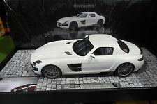 BRABUS 700 BITURBO 2013 coupé blanc pearl au 1/18 MINICHAMPS 107032020 voiture