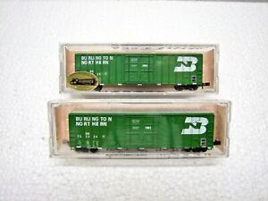 2 Roundhouse 8363 N Scale Burlington Northern Box Cars BN 732325 BN 732324