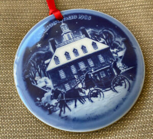 Christmas Ornament 1986 Bing Grondahl Blue White in America Williamsburg Round