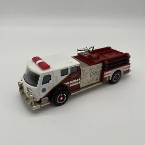 Corgi 1/50 Scale 51701 - American La France Pumper Fire Engine - Staten Island