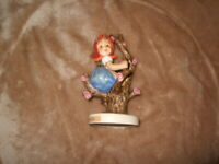 "HUMMEL GOEBEL FIGURINE 141  3/0 TMK 6 Apple Tree Girl, Re83 4"" ht."