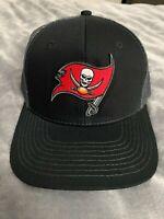 TAMPA BAY BUCCANEERS OFFICIAL FLAG BUCS LOGO NFL TRUCKER CAP HAT A31 NWT NEW
