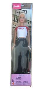 Lot Barbie : 1 Poupée Barbie City Style 2004 Neuve