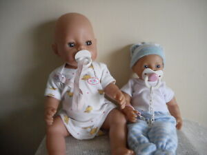 2 X BABY BORN DOLLS & 2 VINTAGE OUTFITS +EXTRAS  (FREE POSTAGE)