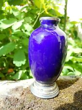 Vase miniature en porcelaine de Sèvres, bleu de four , monture argent , 9 cm