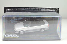 "Opel Astra F Cabriolet "" Bertone "" Argent Échelle 1:43"