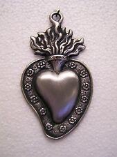 Tin/Silver Medium Sacred Heart with Flowers Milagro Ex Voto