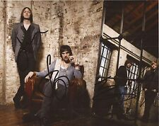 MUSIC: KASABIAN SIGNED 10x8 PORTRAIT PHOTO+COA *48:13* *SHOOT THE RUNNER*