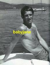 009 JEAN-PAUL BELMONDO BARECHESTED SITTING ON BOAT BEEFCAKE PHOTO