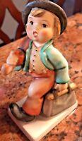 Goebel Hummel Figurine11/0 H Figurine Merry Wanderer TMK 5
