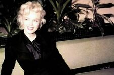 Marilyn Monroe - Marilyn at LA Airport Lounge, Press Conference 1956