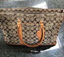 Coach bag briefcase beautiful classic fabric type