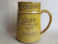 HARRY JUNIPER BIDEFORD POTTERY TANKARD GRIFF THE MIRACLE BABY OF WALES (Ref4534)
