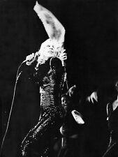 Photo originale Sylvie Vartan concert fleurs micro