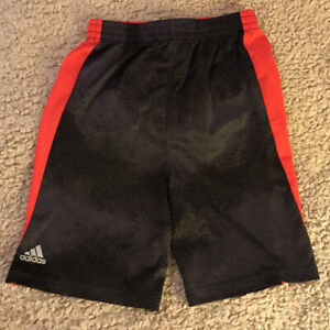 ADIDAS Boys Polyester Shorts Red/Navy in Size 6