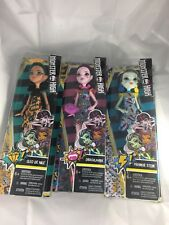 (Lot Of 3) NIB Monster High Action Figures Cleo DracuLaura Frankie Stein 2017