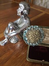 Gorgeous Art Deco 1920s 1930s floral filigree brooch pin with aqua paste stones