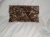 NEW LARGE ANIMAL LEOPARD CHEETAH PRINT CLUTCH BAG HAND