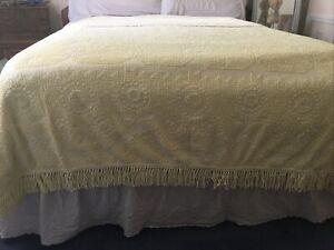 Vintage Morgan Jones Minuet Yellow Floral Chenille Bedspread Blanket Fringe Full