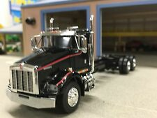 1/64 DCP BLACK/RED KENWORTH T800 DAY CAB & CHASSIS