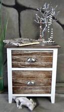 Schubladen im Landhaus-Stil aus Holz
