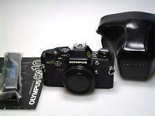 Olympus om-10 Noir + Case