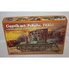 RPM CIAGNIK Z ARMATA POLOWA ART PZKPFW 743 GERMAN LIGHT TANK 1/35 SCALE MODEL