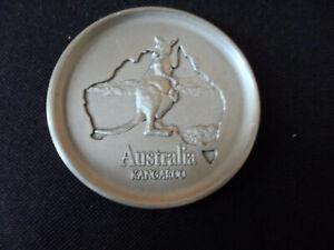 ROYAL SELANGOR PEWTER. AUSTRALIA+ KANGAROO ON PIN DISH. VERY GOOD.8.5 CM DIA.