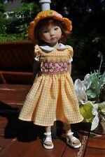 Robe à Smocks et chapeau au crochet pour poupée Little Darling 33 cm
