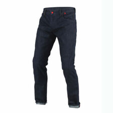 Pantaloni blu marca Dainese per motociclista