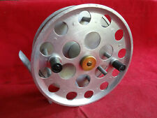 """A NICE VINTAGE 5"""" ALLOY CENTREPIN REEL RUNNING ON BEARINGS"""