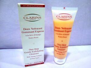 CLARINS VISAGE DOUX NETTOYANT GOMMANT EXPRESS TOUTES PEAUX 125 ML.