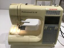 SINGER professional XL-10 Sewing Machine with Embroidery