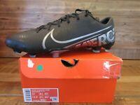 Nike Men's Vapor 13 Academy FG/MG Soccer Cleats Size 12