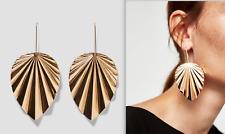 Muy raras Zara Hermoso Oro Tono Pendientes De Metal Extra Grande Nuevo