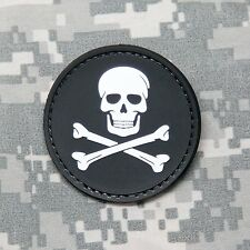JOLLY ROGER SKULL AND CROSSBONES PVC Hook PATCH ARMY SWAT Applique Military