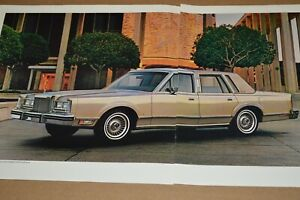 ★★1981 LINCOLN TOWN CAR SIGNATURE SERIES ORIGINAL DEALER ADVERTISEMENT AD 81