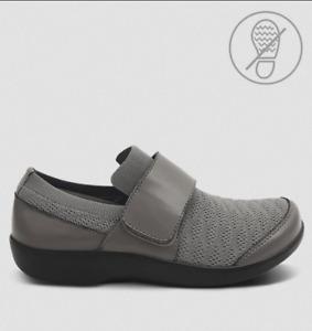 TRAQ by Alegria Qwik Smokey Waves Nursing Shoes Uniform Advantage