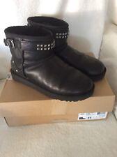 UGG Boots glatt Leder Gr.42 41 Sohle 27,5 cm schwarz Nieten Strass