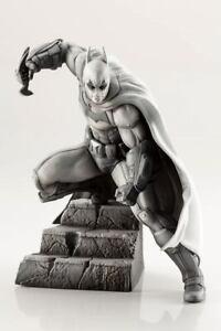Kotobukiya DC Comics ARTFX+ Statue 1/10 Batman Arkham Series 10th Anniversary