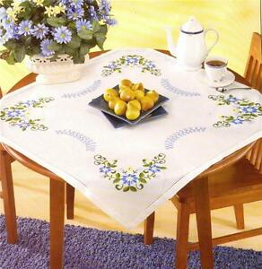 DAZZLING DAISIES Daisy TABLE TOPPER Stamped for Embroidery KIT  NEW